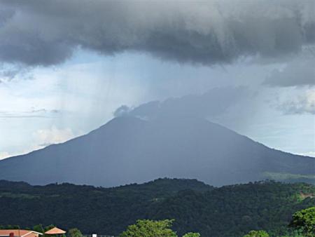 volcan-mombacho.jpg