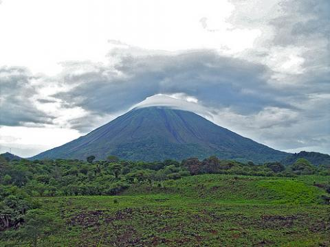 nicaragua-volcan.jpg